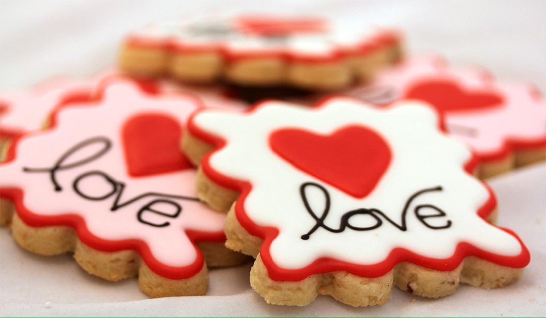 Печенье на День Святого Валентина на заказ в Киеве